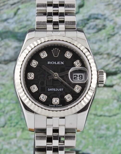 A ROLEX LADY SIZE OYSTER PERPETUAL DATEJUST - 179174