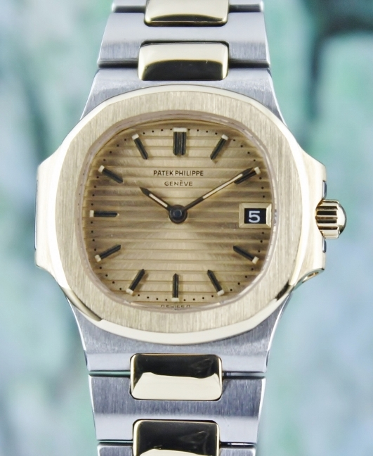 A Patek Philippe Lady Size Nautilus Lady Watch / 4700-1