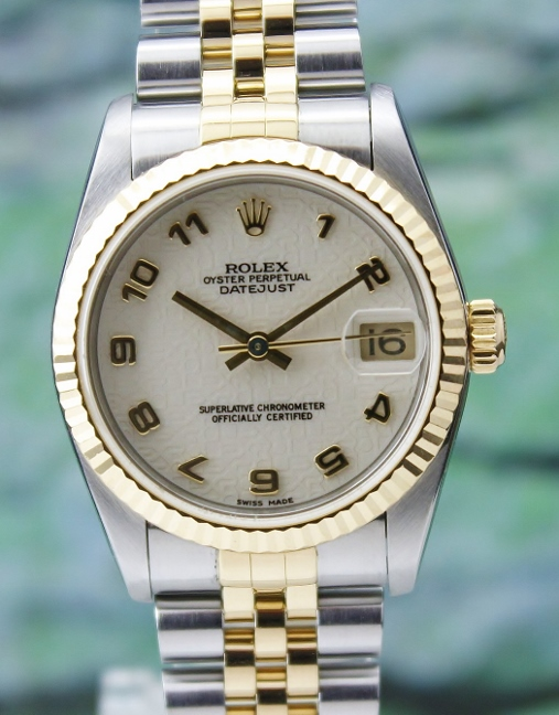 A ROLEX MID SIZE OYSTER PERPETUAL DATEJUST / 78273