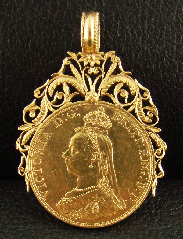 ANTIQUE GOLD COIN WITH 20K GOLD FAME