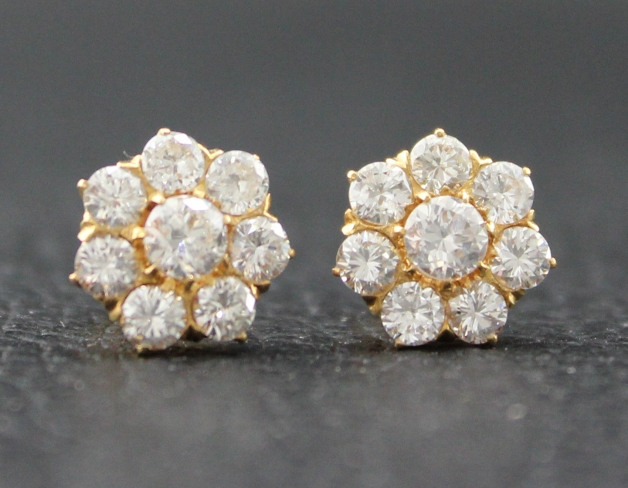 ANTIQUE 18K YELLOW GOLD DIAMOND EARSTUD