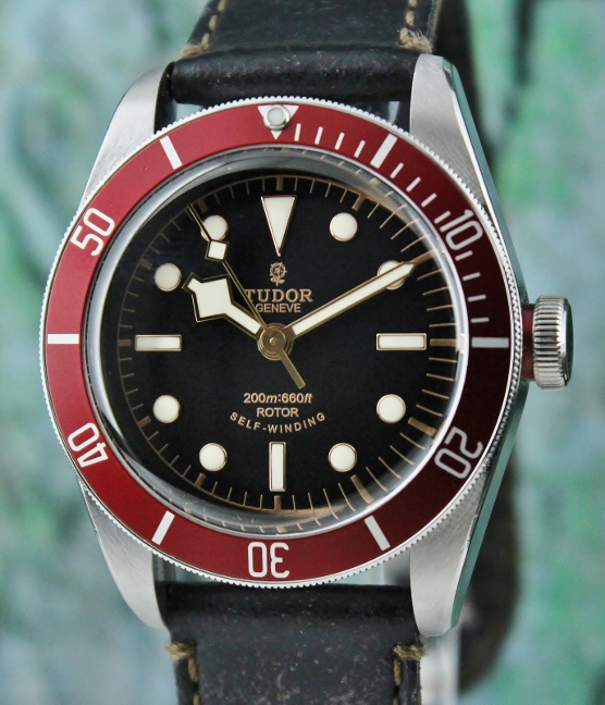 A TUDOR HERITAGE BLACK BAY AUTOMATIC WATCH / 79220