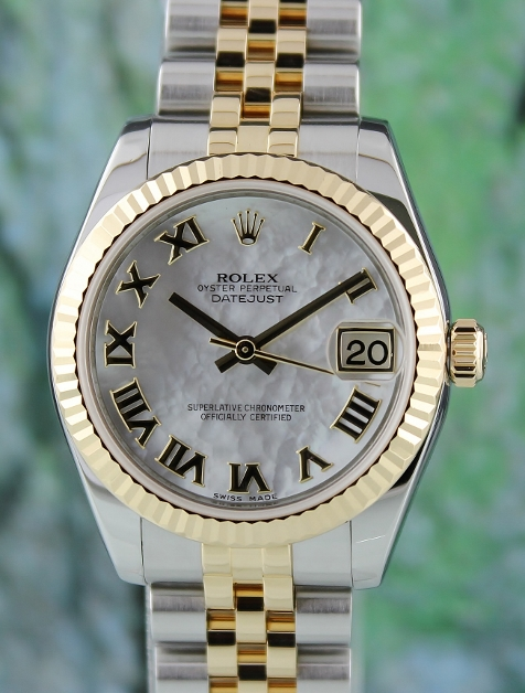 A ROLEX MID SIZE OYSTER PERPETUAL DATEJUST / 178273