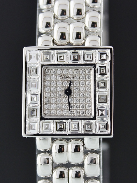 A CHOPARD LADY 18K WHITE GOLD DIAMOND WATCH
