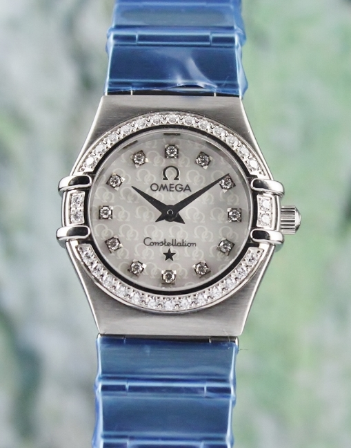 LIKE NEW OMEGA LADY SIZE STAINLESS STEEL CONSTELLATION / MOP / 14607500