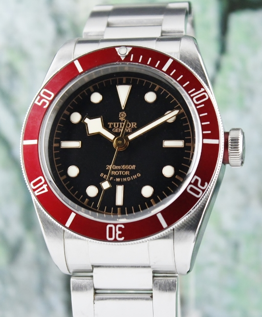 A TUDOR STAINLESS STEEL HERITAGE BLACK BAY / 79220R