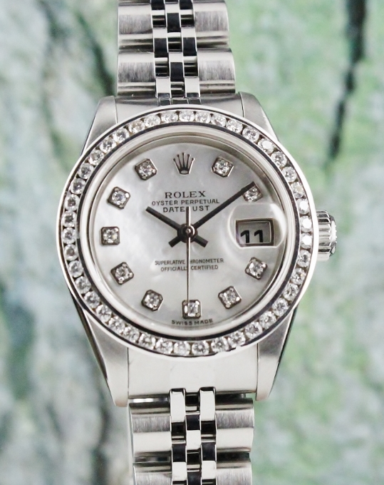 A ROLEX LADY SIZE OYSTER PERPETUAL DATEJUST / 79174