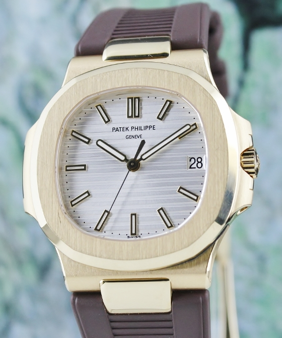 PATEK PHILIPPE 18K YELLOW GOLD 40MM NAUTILUS / 5711J