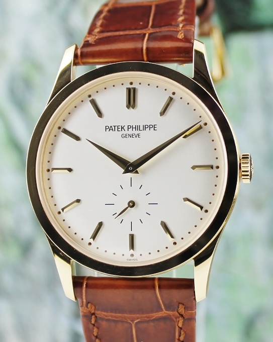 LIKE NEW UNPOLISHED PATEK PHILIPPE 18K YELLOW GOLD CALATRAVA / 5196J-001