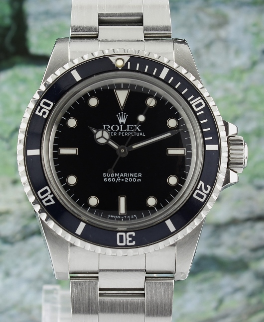 A ROLEX VINTAGE STAINLESS STEEL ROLEX SUBMARINER / 5513