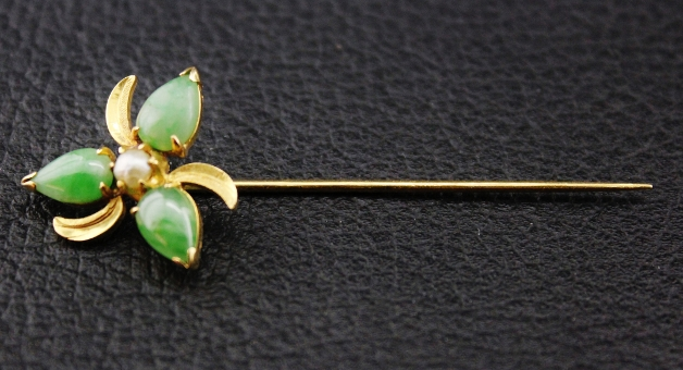 20K YELLOW GOLD ANTIQUE PEARL AND JADE HAIRPIN