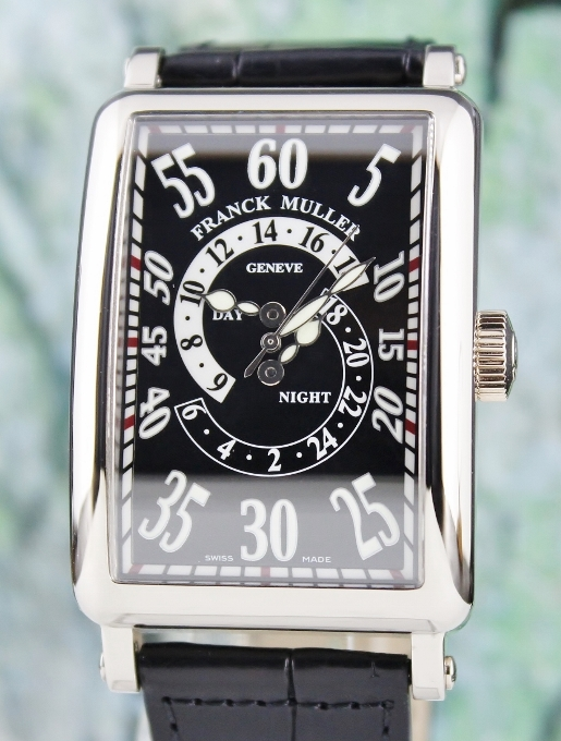 A FRANCK MULLER 18K WHITE GOLD LONG ISLAND AUTOMATIC WATCH / 1300 DH R