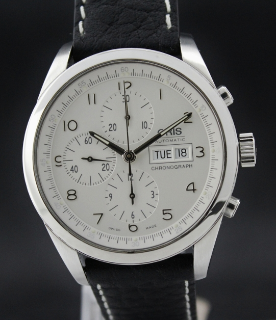 AN ORIS AUTOMATIC CHRONOGRAPH WATCH / COMPLETE