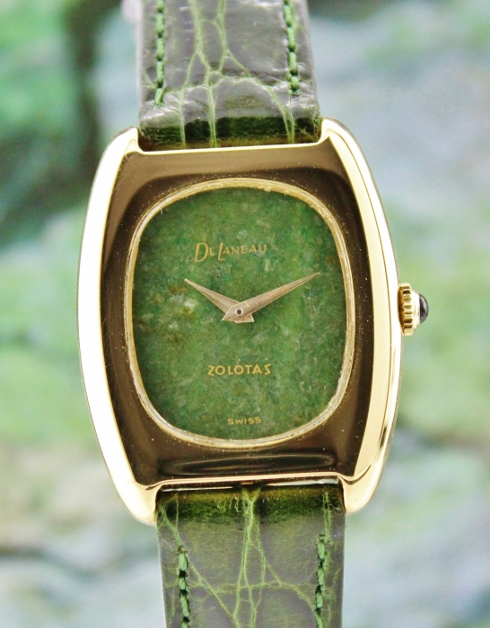 A 18K SOLID GOLD DELANEAU MANUAL WINDING WATCH