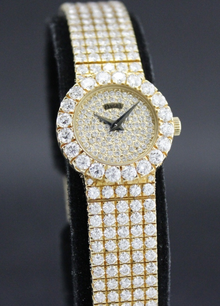 A 100% ORIGINAL PIAGET LADY SOLID 18K GOLD FULL DIAMOND