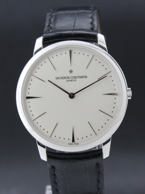 A 18K WHITE GOLD VACHERON CONSTANTIN PATRIMONY GRAND TAILLIE