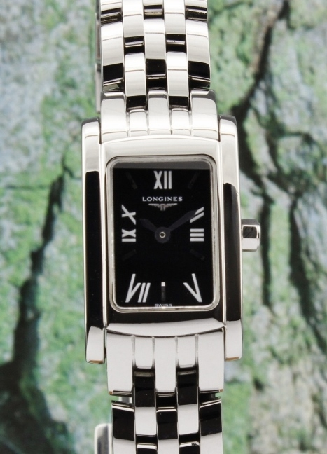 A LONGINES DOLCE VITA LADY SIZE STAINLESS STEEL WATCH