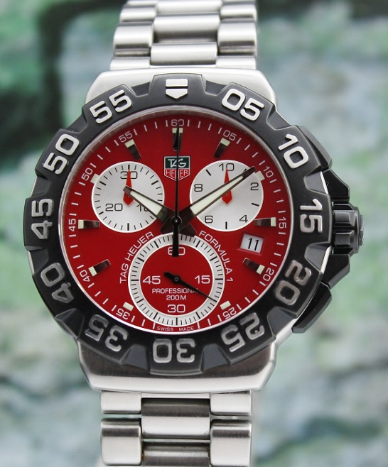 A STAINLESS STEEL TAG HEUER FORMULA 1 CHRONOGRAPH / CAH1112