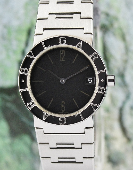 A BVLGARI STAINLESS STEEL MEN SIZE WATCH