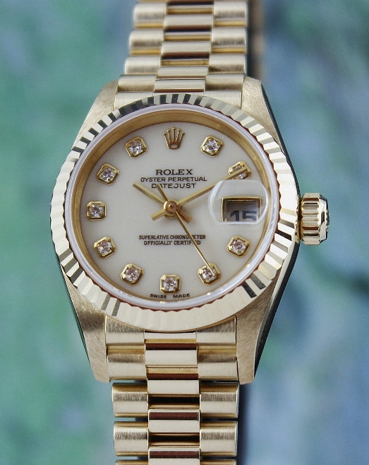 A ROLEX 18K GOLD OYSTER PERPETUAL DATEJUST - 69178