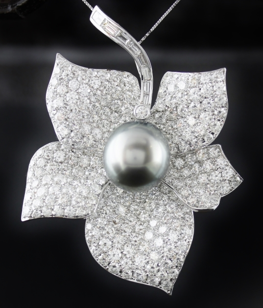 "18K WHITE GOLD DIAMOND PEARL PENDENT / BROOCH STAMPED ""TRESOR"""