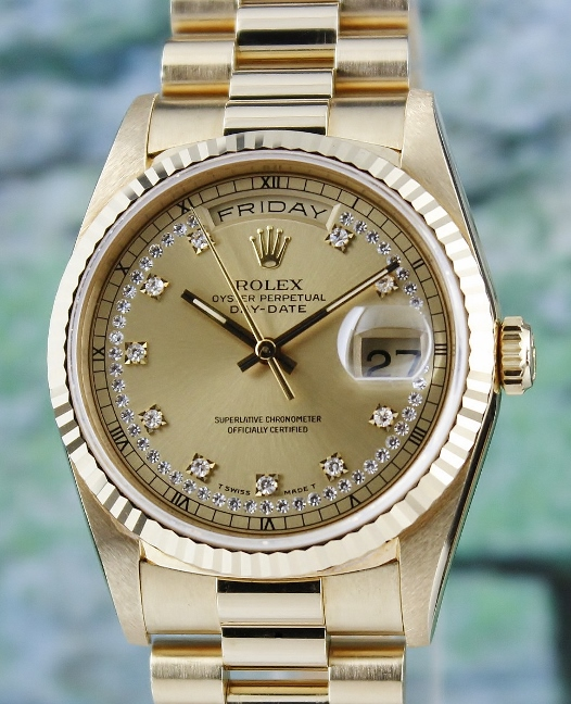 A ROLEX 18K MEN SIZE YELLOW GOLD OYSTER PERPETUAL DAY-DATE / 18238