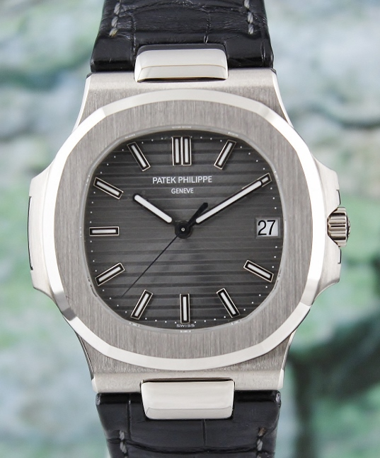 LIKE NEW PATEK PHILIPPE 18K WHITE GOLD JUMBO NAUTILUS / 5711G