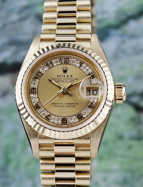 LIKE NEW ROLEX LADY SIZE 18K GOLD OYSTER PERPETUAL DATEJUST - 69178