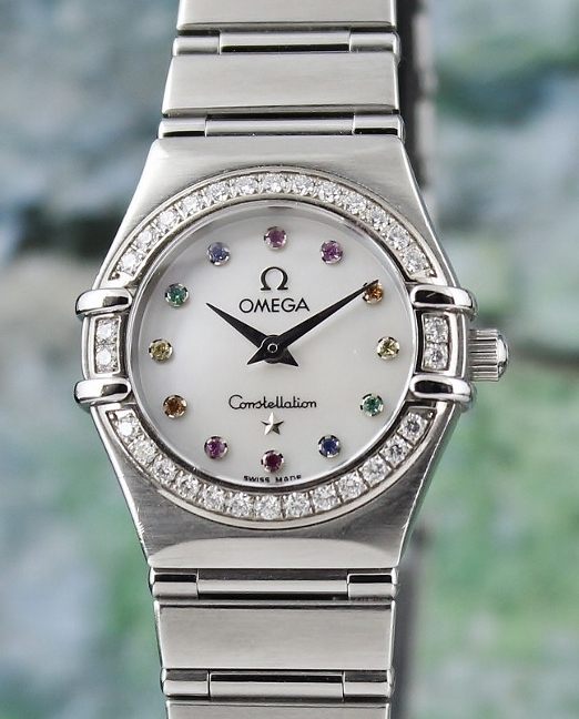 AN OMEGA LADY MINI SIZE STAINLESS STEEL DIAMOND CONSTELLATION / MOP