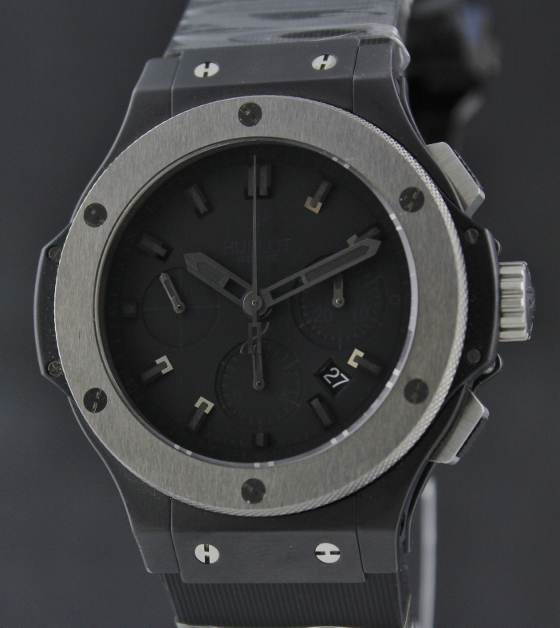 BRAND NEW HUBLOT ICE BANG FACELIFT 44MM CERAMIC / 301.CK.1140.RX