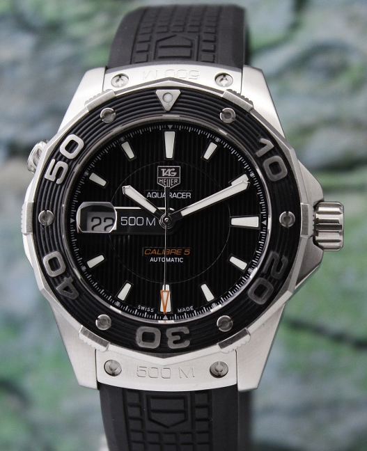 A LIKE NEW TAG HEUER STAINLESS STEEL AQUARACER CALIBRE 5 / WAJ2110