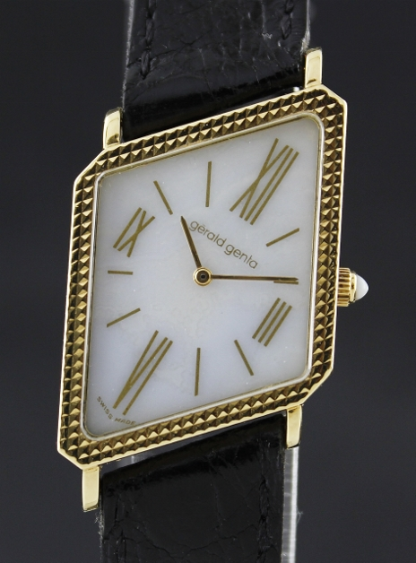 A RARE 18K GOLD GERALD GENTA LADY WATCH / G.3069.7