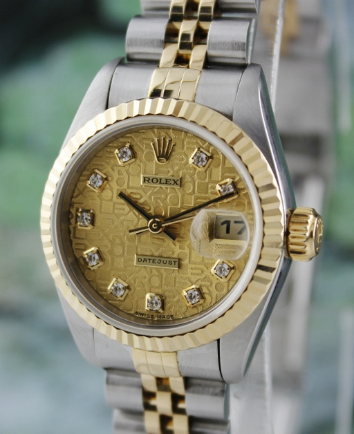 A ROLEX LADY SIZE OYSTER PERPETUAL DATEJUST / 69173