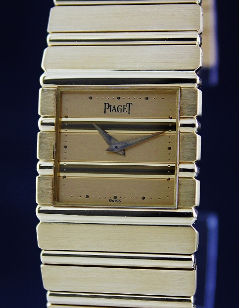 A PIAGET POLO 18K SOLID YELLOW GOLD WATCH