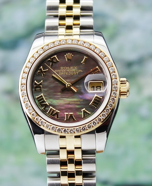 LIKE NEW ROLEX LADY SIZE OYSTER PERPETUAL DATEJUST - 179173 / MOP