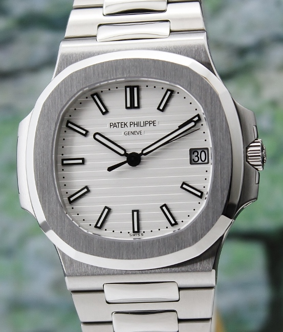 UNPOLISHED PATEK PHILIPPE STAINLESS STEEL JUMBO NAUTILUS / 5711 1A