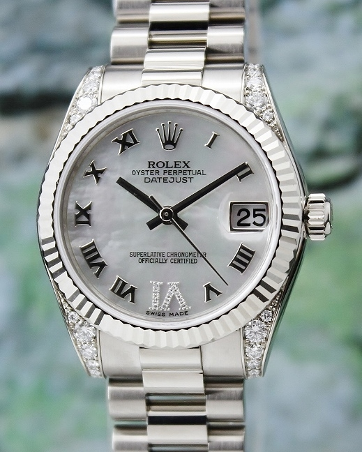 A ROLEX MID SIZE 18K WHITE GOLD OYSTER PERPETUAL DATEJUST - 178239
