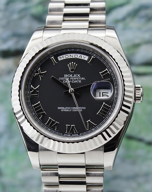A ROLEX 18K WHITE GOLD OYSTER PERPETUAL DAY-DATE II / 218239 / CERT