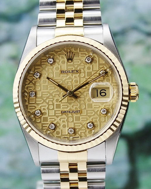 A LIKE NEW ROLEX MEN SIZE OYSTER PERPETUAL DATEJUST / 16233