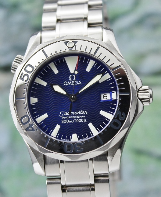 AN OMEGA MID SIZE 38MM STAINLESS STEEL SEAMASTER