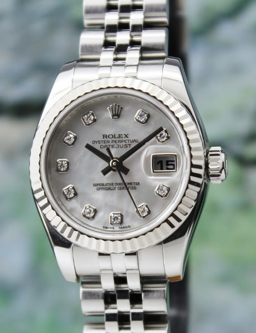 A ROLEX LADY SIZE OYSTER PERPETUAL DATEJUST - MOP/ 179174