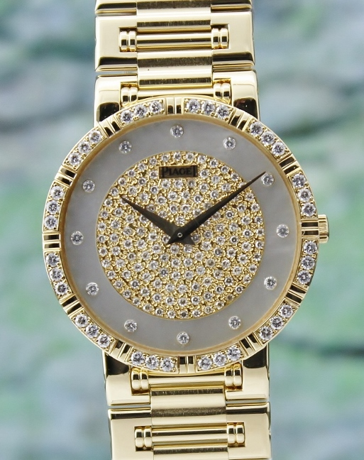 A 18K YELLOW GOLD MEN SIZE PIAGET DANCER DIAMOND WATCH / 84023 K 81
