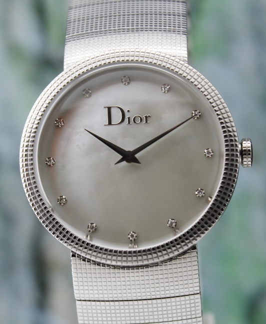 A CHRISTIAN DIOR MEN SIZE STAINLESS STEEL WATCH
