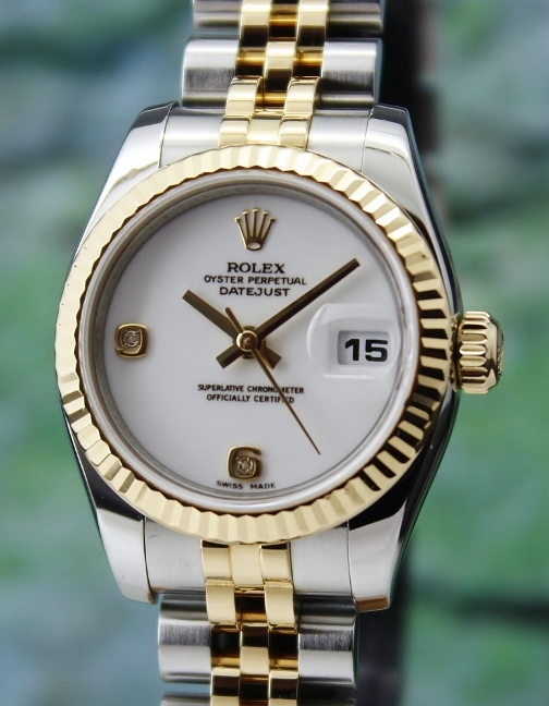 A ROLEX LADY SIZE OYSTER PERPETUAL DATEJUST - 179173