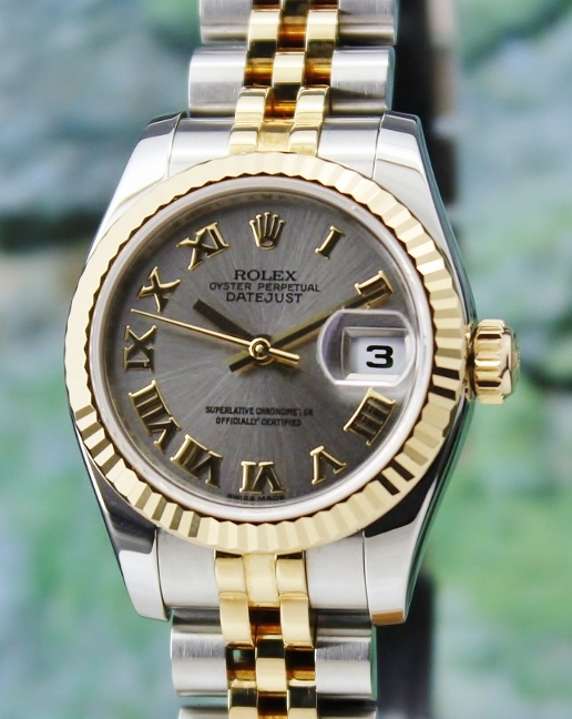 A LIKE NEW ROLEX LADY SIZE OYSTER PERPETUAL DATEJUST - 179173