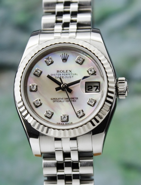 A ROLEX LADY SIZE OYSTER PERPETUAL DATEJUST - MOP/ 179174 / CERT