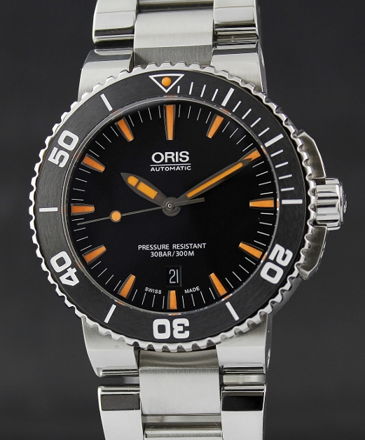 99.99% MINT CONDITION ORIS AQUIS DATE CERAMIC BEZEL DIVER WATCH