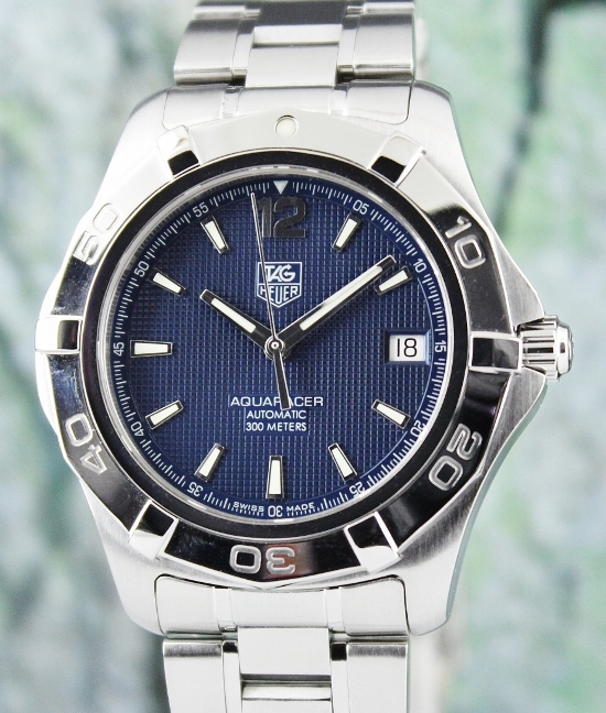 A STAINLESS STEEL TAG HEUER AQUARACER AUTOMATIC WATCH / WAF2112