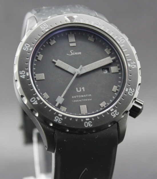 LIKE NEW SINN U BLACK LIMITED 399 PCS / COMPLETE