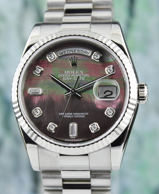 A ROLEX 18K WHITE GOLD OYSTER PERPETUAL DAY-DATE / 118239 / MOP